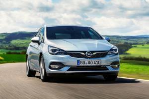 Opel Astra полностью сменил моторы и слегка - внешность